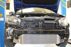 Kit intercooler deportivo Forge para Volkswagen Golf 6 R 2.0 Turbo Gasolina
